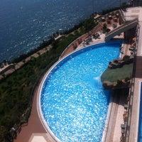 รูปภาพถ่ายที่ Utopia World Hotel โดย Ольга З. เมื่อ 5/19/2013