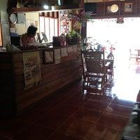 Photo taken at Thai Kan Eng Guest House by เพื่อน ก. on 4/11/2013
