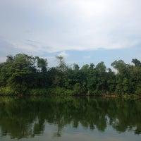 Photo taken at สวนอาหาร คนพลัดถิ่น by Warintra T. on 5/7/2016