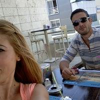 6/29/2015 tarihinde Volkan Ö.ziyaretçi tarafından Karamel Cafe&Patisserie'de çekilen fotoğraf