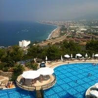 รูปภาพถ่ายที่ Utopia World Hotel โดย Вера เมื่อ 7/14/2013