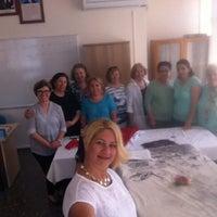 Photo taken at Çeşme Halk Eğitim Merkezi by Müge Ö. on 5/27/2016