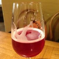 Foto scattata a Brasserie Cantillon Brouwerij da Renee J. il 7/11/2013