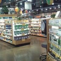 รูปภาพถ่ายที่ Whole Foods Market โดย Pat B. เมื่อ 6/1/2013