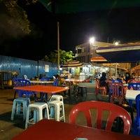 Photo taken at Benteng Selera Malam Port Dickson by Pepé L. on 5/2/2016