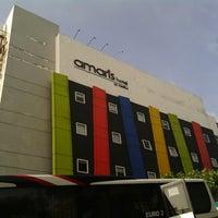 Photo taken at Amaris Hotel Cihampelas by Irwan L. on 12/15/2012