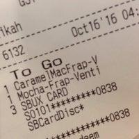 Photo taken at Starbucks by Joash L. on 10/16/2016