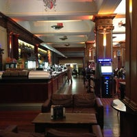 Photo taken at The Metropolitan Bar (Wetherspoon) by Thaís H. on 2/6/2013