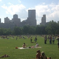 Foto tirada no(a) Sheep Meadow por Kellis em 6/9/2013