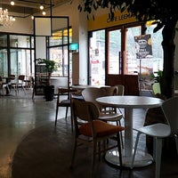Photo taken at CAFE LEEMAN'S / 카페 리맨즈 by Lion K. on 3/19/2014
