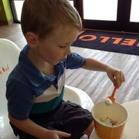 Photo taken at Orange Leaf Frozen Yogurt by Jennifer S. on 5/31/2013