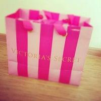 3/14/2013 tarihinde Çigdem S.ziyaretçi tarafından Victoria's Secret'de çekilen fotoğraf