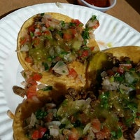 Photo taken at Tacos Uruapan by Shirley R. on 3/22/2016