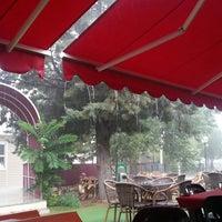 7/15/2013 tarihinde Mehmet E.ziyaretçi tarafından Türkoloji Cafe & Park'de çekilen fotoğraf