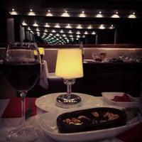 6/12/2013 tarihinde Nermin Y.ziyaretçi tarafından Circle Restaurant & Cafe'de çekilen fotoğraf