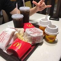 Photo taken at McDonald's by Dae Keun S. on 5/8/2016
