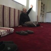 Photo taken at Kur'an'a Hizmet Vakfı by Osman nuri B. on 4/26/2016