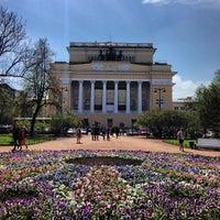 Снимок сделан в Александринский театр пользователем НеКакВсе 5/14/2013