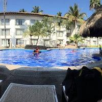 Foto tomada en Plaza Pelicanos Club Beach Resort por Erick G. el 4/19/2018