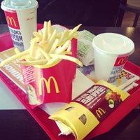Снимок сделан в McDonald's пользователем Ekaterina K. 3/13/2013