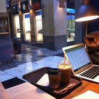 3/19/2013 tarihinde Marta A.ziyaretçi tarafından El Último Mono Juice & Coffee'de çekilen fotoğraf