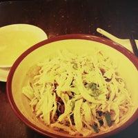 รูปภาพถ่ายที่ Baozi Inn โดย Tracy L. เมื่อ 3/13/2013