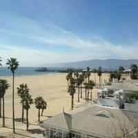 Foto tirada no(a) Casa Del Mar Hotel por Roberta R. em 3/14/2013