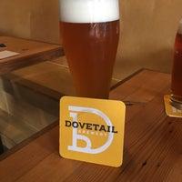 รูปภาพถ่ายที่ Dovetail Brewery โดย David B. เมื่อ 8/26/2018