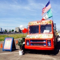 Photo taken at Ixtapa Mexican Taco Truck by Wil S. on 5/29/2014