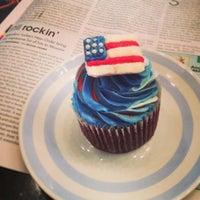 Снимок сделан в Upside Down Cake пользователем Elena S. 7/2/2013