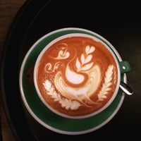 Photo taken at Mahalo Coffee Shop by Özgür G. on 11/10/2016
