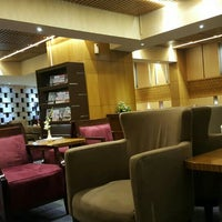 Photo taken at Singapore Airlines Lounge by Tri W. on 5/1/2016