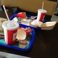 Das Foto wurde bei Burger King von ABDULLAH S. am 7/16/2013 aufgenommen