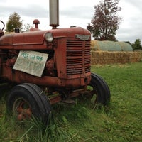 Photo taken at Applewood Farm Winery by Aaron B. on 9/15/2012