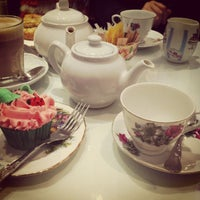 Photo taken at The Chelsea Teapot by Vassi M. on 3/11/2013