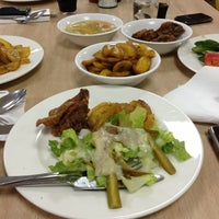 Photo taken at Taste Buds Cafeteria by Bernulf J. on 3/21/2013