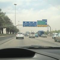 Das Foto wurde bei Exit 9 von Aziz_82 am 5/1/2013 aufgenommen