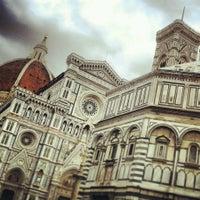 Foto scattata a Piazza del Duomo da Dinka D. il 3/10/2013