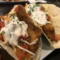 8/4/2018 tarihinde Tom S.ziyaretçi tarafından Tiff's Burger & Alehouse'de çekilen fotoğraf