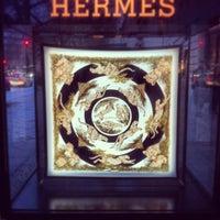 Das Foto wurde bei Hermès von Patrick S. am 11/30/2013 aufgenommen