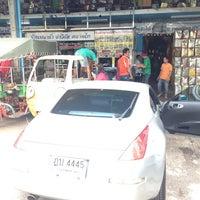 Photo taken at ร้านจ่าวิรัช ปลาร้าทรงเครื่อง ตลาดไท by Supasith S. on 6/10/2014