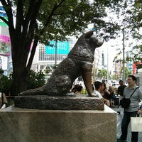 Photo taken at Hachiko Statue by del on 5/28/2013