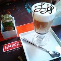 Foto tirada no(a) Amika Coffeehouse por Igor M. em 5/18/2013