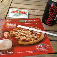 Foto tomada en Papa John's Pizza por Neslihan B. el 5/31/2013