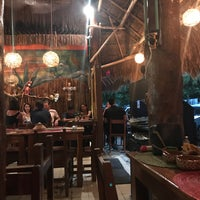 Foto scattata a La perla pixán cuisine & mezcal store da Srujana A. il 4/15/2018