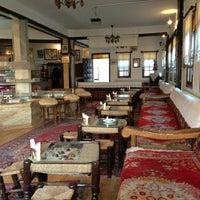 รูปภาพถ่ายที่ İmren Lokum Konak Boutique Hotel โดย Gaye O. เมื่อ 4/13/2013