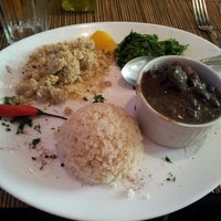 Photo taken at Goa Vegetariano by Ricardo d. on 11/4/2012