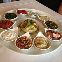 5/25/2013 tarihinde Taşkın Ö.ziyaretçi tarafından Kanlıca Yakamoz Restaurant'de çekilen fotoğraf