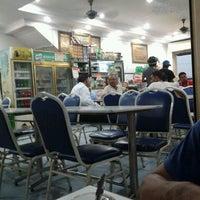 Photo taken at Restoran Ameeth by Jonk M. on 3/13/2013