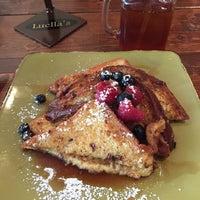 Foto tomada en Luella's Southern Kitchen por Elaine L. el 3/6/2016